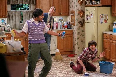 Bernadette verlangt dass Howard, Raj und Stuart putzen