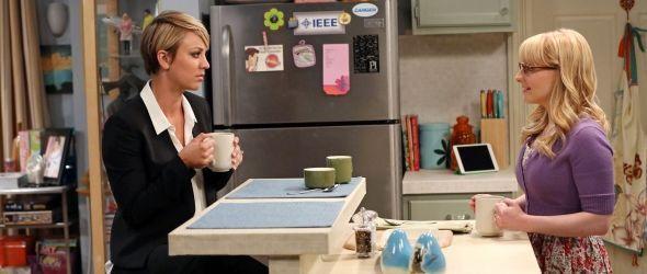 Penny und Bernadette im Gespräch