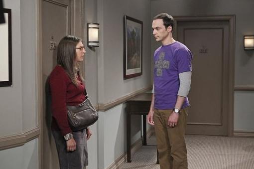 Sheldon und Amy unterhalten sich nach ihrer Trennung