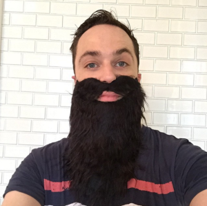 Jim Parsons alias James Harden-