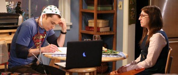 Sheldon und Amy experimentieren