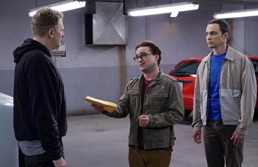 Leonard und Sheldon suchen Hilfe beim Schwarzmarkt-Händler Kenny