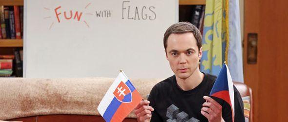 Sheldon mit der slowakischen und tschechischen Flagge