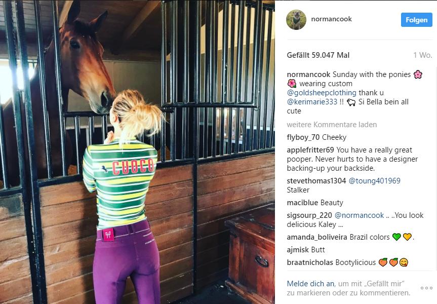 Kaley Cuoco postet Bild von sich im Reitstall