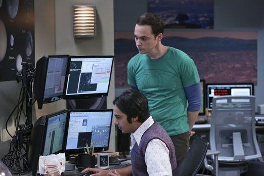 Sheldon und Raj beim Asteroiden aufspüren