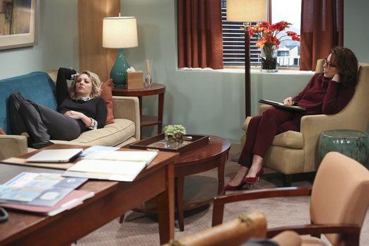 Penny auf der Couch bei Dr. Gallo