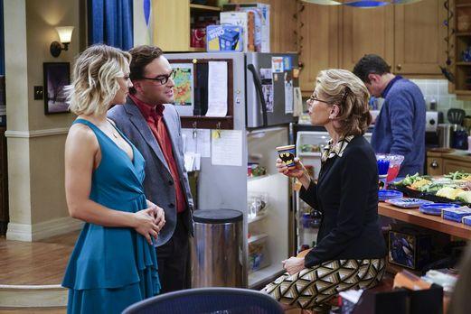 Leonards Mutter Beverly ist auch auf Sheldons Geburtstag