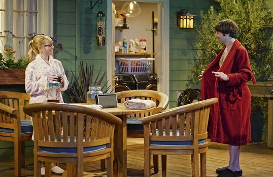Bernadette und Howard wollen am Valentinstag ihren Whirlpool einweihen